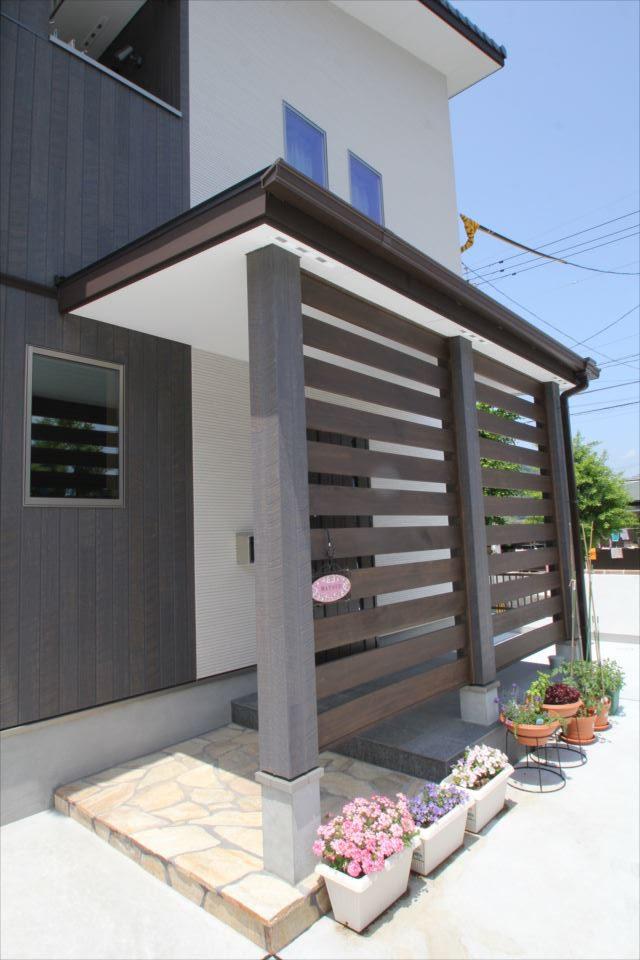 鳥越住建は自然素材にこだわった環境にやさしい家作りを手掛けております。また、戸建て住宅・マンションのリフォーム、不動産売買の仲介も承っています。